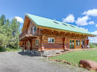 Gorgeous log cabin w/ private hot tub & pond on five acres of land. - McCall vacation rentals