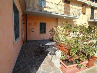 2 bedroom Apartment with A/C in Peschiera del Garda - Peschiera del Garda vacation rentals