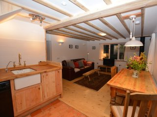 Romantic House with Internet Access and Fireplace - Rhydycroesau vacation rentals