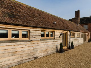 Foxham Farmhouse Holiday Cottages - Orchard Cottage - Chippenham vacation rentals