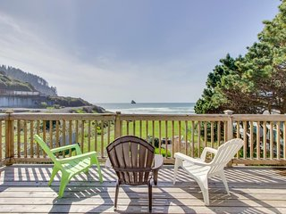 Spectacular beachfront dog-friendly cottage with private hot tub! - Cape Meares vacation rentals