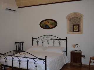 Romantic 1 bedroom Irsina Bed and Breakfast with A/C - Irsina vacation rentals