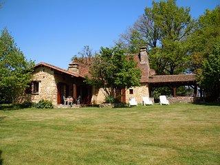 Gîte La Vigne de Reignac 3épis Gite de France - Fleurac vacation rentals