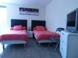 Romantic 1 bedroom Bed and Breakfast in Villegenon - Villegenon vacation rentals