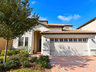 Beautiful 6 bedroom 6 bath Champions Gate home from $175nt - Orlando vacation rentals