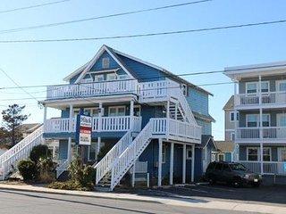 Hitch, 2.5 blocks to Beach & Boardwalk-Pet friendly!! - Ocean City vacation rentals