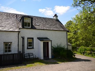 Beautiful House with Internet Access and Fireplace - Kinlochard vacation rentals