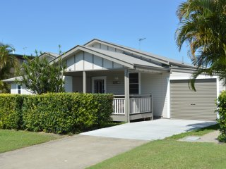Murray Cottage , Beautifully Renovated , Full wheelchair access & Pet Friendly - Ballina vacation rentals