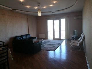 120m2 apartment in a quiet central location 5 min walking distance to the center - Baku vacation rentals