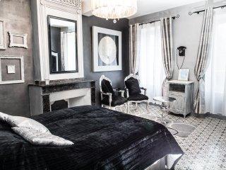 """Maison d'Hôtes O'Palmier caché """"Joséphine"""" - Saint-Marcel-sur-Aude vacation rentals"""