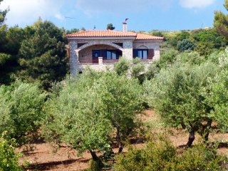 Olive Grove stonemade Residency w/ panoramic view. - Petalidi vacation rentals