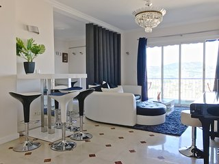 2BR apartment, wifi, balcony, private parking, sea view - Nice vacation rentals