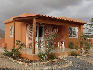 Petites maisons complètes proximité plage 900 m, randonnées, resto & tranquille - Maio vacation rentals