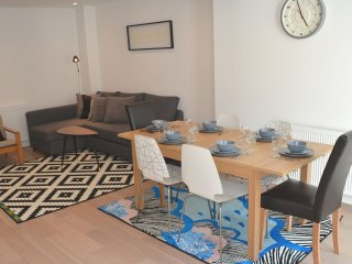 Peaceful and secluded Oxford city-centre 3 bedroom escape - Oxford vacation rentals