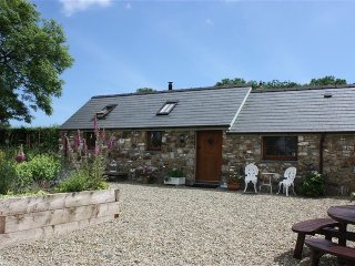 Lovely 1 bedroom Begelly Cottage with Washing Machine - Begelly vacation rentals