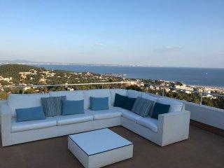ruhige Luxusvilla mit traumhaft schönem uneingeschränkten 180 Grad Meerblick - Costa d'en Blanes vacation rentals