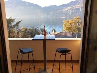 Cozy 2 bedroom Brenzone Condo with Central Heating - Brenzone vacation rentals