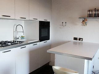 Casa collinare indipendente, vista mare stupenda, tra Sanremo e Arma di Taggia - Arma di Taggia vacation rentals