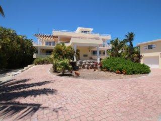 6 bedroom or 5 bedroom Island Dream - Fun & Games - Marathon Shores vacation rentals