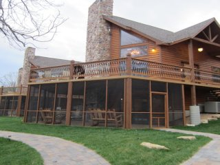 Luxury Lakefront Log Chalet~POOL~SLIP~50ft to Lake - Lampe vacation rentals