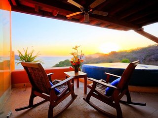 Luxurious PH overlooking the bay - Ixtapa vacation rentals
