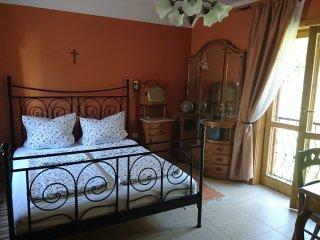 Mandula Villa Apartment Ferienwohnung mit Garten in Pécs Zentrum Belváros City - Pecs vacation rentals