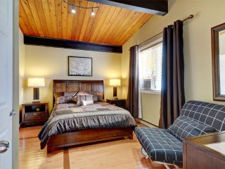 Deluxe Room, Private Bathroom (Tourterelle) - Château-Richer vacation rentals