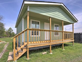 NEW! 2BR Grove Cabin - Mins From Lake & Fishing! - Grove vacation rentals