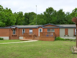 Perfect Weatherford House rental with Deck - Weatherford vacation rentals