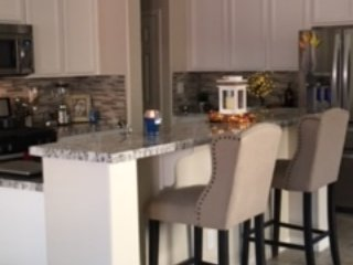 15 min. to Strip and Airport, 4br/3.5 bath, 2200 sf home - Las Vegas vacation rentals
