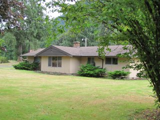 3 bedroom House with Garage in Port Angeles - Port Angeles vacation rentals