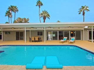 Midcentury Magic - Palm Springs vacation rentals