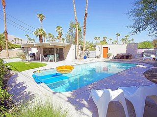 Alexander Modern Oasis - Palm Springs vacation rentals