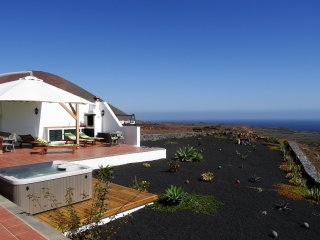 Casa Mare in Guatiza with jacuzzi and beautiful sea view - Guatiza vacation rentals