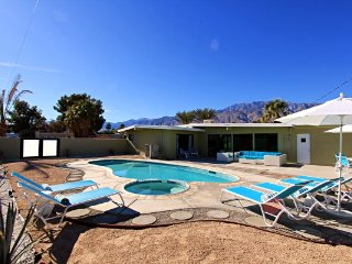 Modern Living - Palm Springs vacation rentals