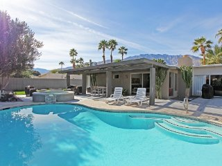Gorgeous Palm Springs vacation House with Fireplace - Palm Springs vacation rentals