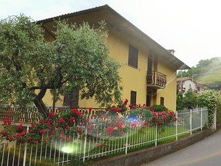 Nice Condo with Internet Access and Television - Tavernola Bergamasca vacation rentals