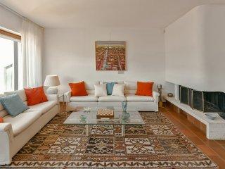 villa Erica nelle vicine colline di Alba città - Diano d'Alba vacation rentals