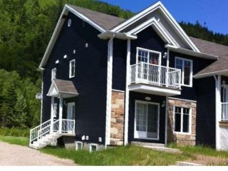 Bright 2 bedroom L'Anse-Saint-Jean Condo with Internet Access - L'Anse-Saint-Jean vacation rentals