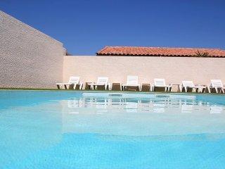 F1 climatisé avec piscine pour 2 personnes - Propriété : Les Lavandes du Moulin - Puissalicon vacation rentals