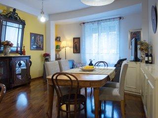 Trastevere elegant apartment, Casa Glorioso 2 - Rome vacation rentals