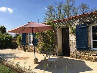 NEW! 'Le petit toit', gite in rural France - Saint-Loup-Lamaire vacation rentals