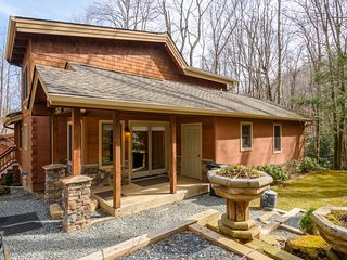 Charming Upscale 4BR Creekside Cabin Tucked in the Woods near Grandfather Mtn - Banner Elk vacation rentals