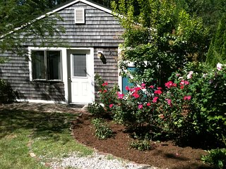 IDYLLIC COTTAGE NEAR THE SEA - Truro vacation rentals
