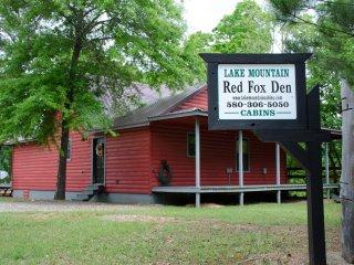 Red Fox Den (sleeps 4) No Pets - Broken Bow vacation rentals