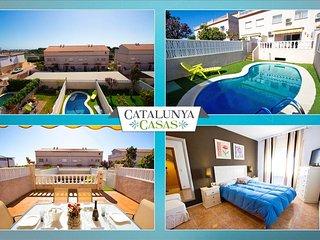 """""""Villa Encantada"""" in Creixell, only 1km to Costa Dorada beaches! - Creixell vacation rentals"""