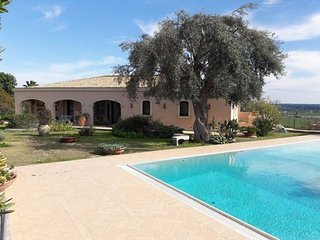 Beautiful Villa with A/C and Shared Outdoor Pool in Belvedere - Belvedere vacation rentals