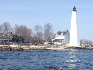 Waterfront property by 1801 lighthouse - New London vacation rentals
