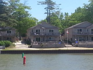 Wasaga Beach Villa Chalet, Cottage - Wasaga Beach vacation rentals