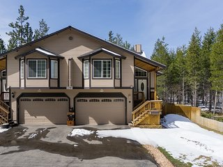Vibrant Townhome with Hot Tub and Forest Views - South Lake Tahoe vacation rentals